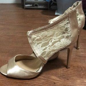 Jessica Simpson size 9 lace heels